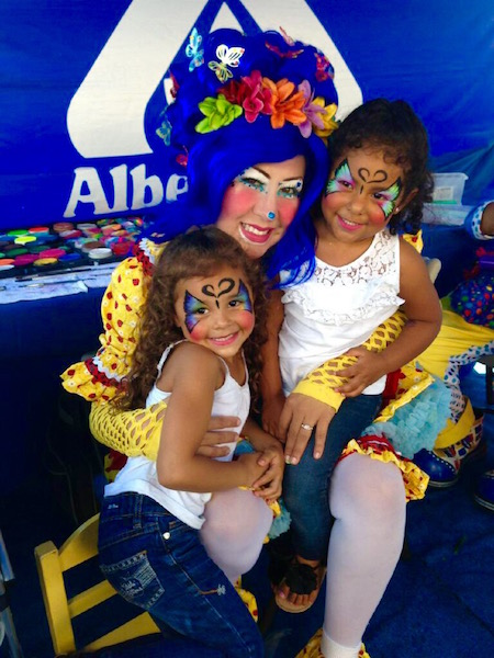 Bluetiful face painting at an event